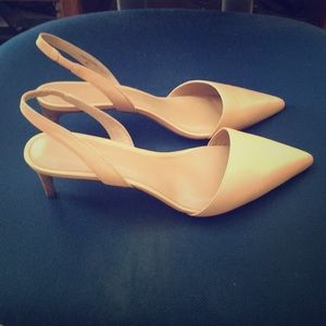 Cream colored Banana Republic kitten heel shoes